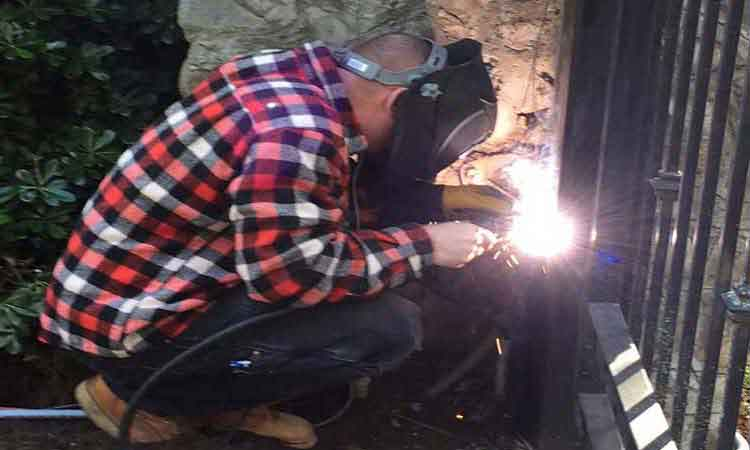 Fabrication & Welding Repairs to Custom Driveway & Security Gates, Shingle Springs, California.
